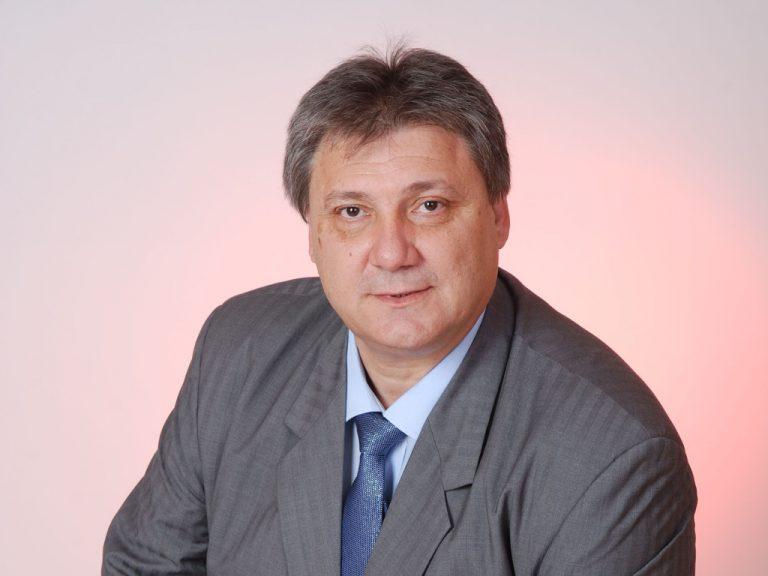 Проф. Илия Баташки ще участва в днешната среща със студентите