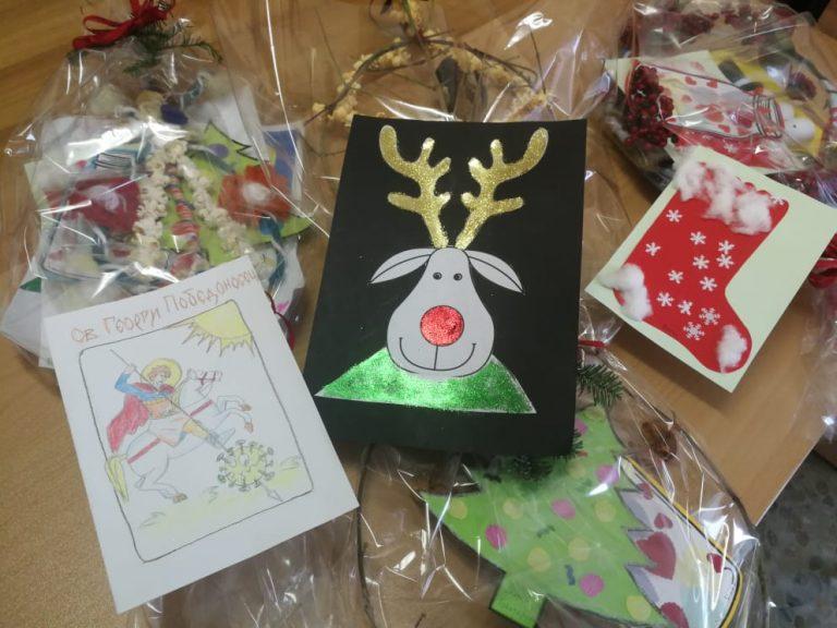 "5-годишни творци изработиха сурвачки и картички за медиците на УМБАЛ ""Свети Георги"""